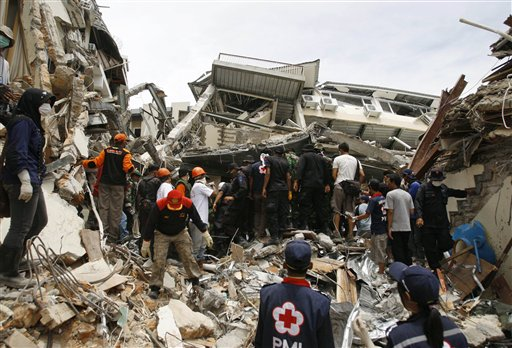 .Village Deaths to Lift Indonesian Quake Death Toll.