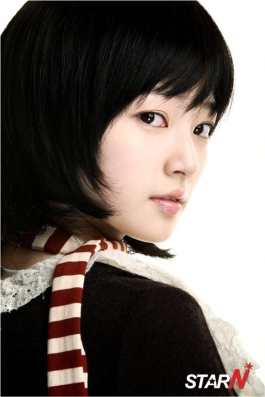 宋昰昀与JYP签约,未来演技受瞩目