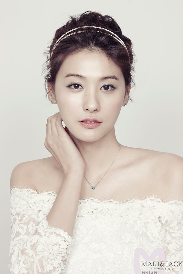 Actress In-young Yoo is now the new face of Jewelry brand Mari & Jack
