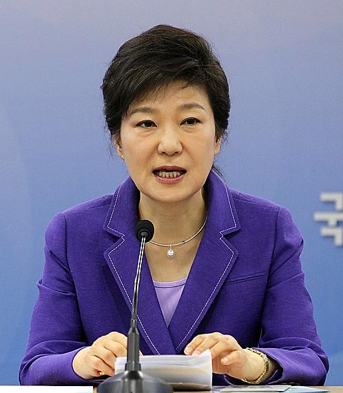 박근혜 대통령, 금명간 새 총리 지명…이정현 홍보수석 사표 수리