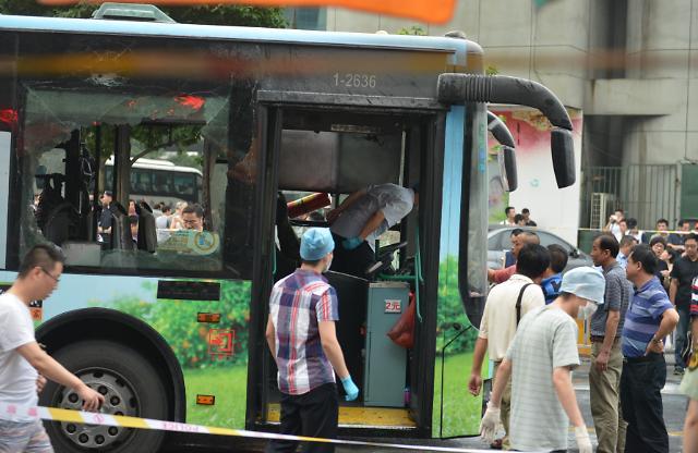 중국 항저우에서 버스 폭발 32명 부상