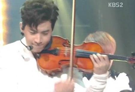 헨리, 뮤직뱅크서 신들린 바이올린 연주