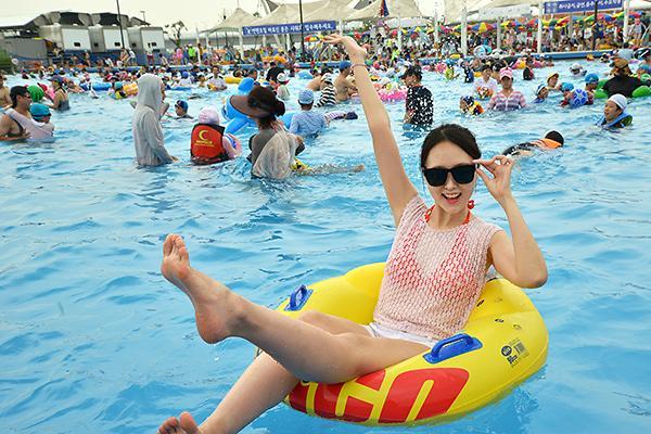 汉江夏日庆典季:享受城市中的水上乐园