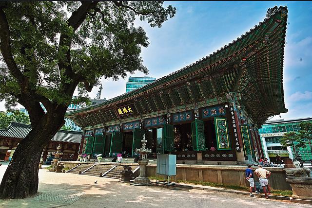 神圣与世俗的完美结合:首尔宗教圣地及周边景点