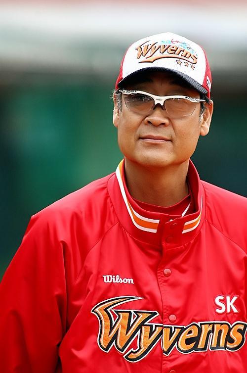 SK 책임질 김용희 신임 감독 누구?…1984년 올스타전 MVP 수상하기도