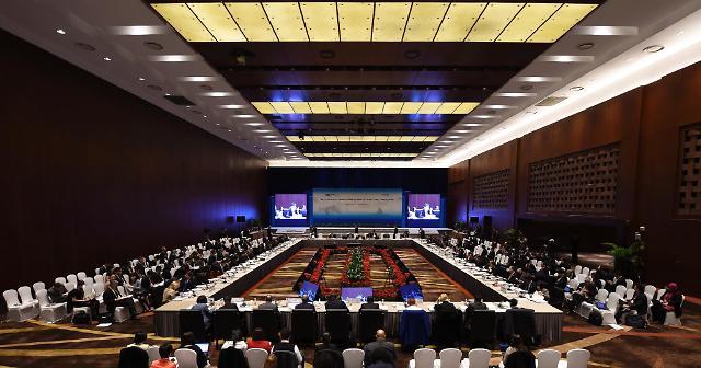 APEC 정상회의, 중미 주도권 쟁탈전...한중FTA타결 주목