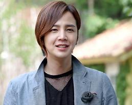 .张根硕退出《三时三餐——渔村篇》 节目首播日期延至23日.