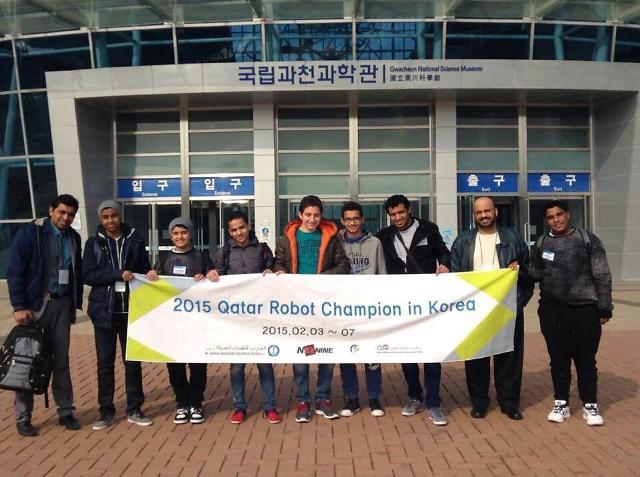 '카타르 로봇 축구 대회 우승자' 한국 방문