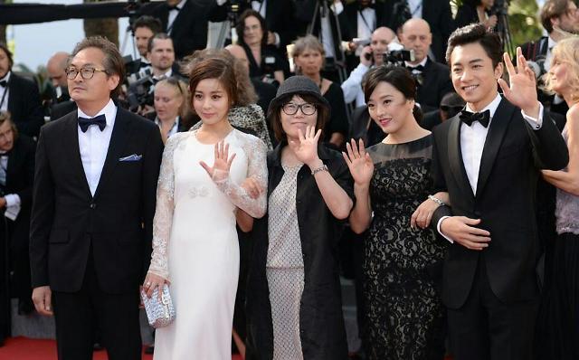 [AJU포토] 마돈나로 칸에 온 감독 신수원·서영희·김영민·권소현