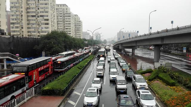 [영상중국] 中 열병식 끝나니 빗방울...연휴 끝, 교통체증 시작