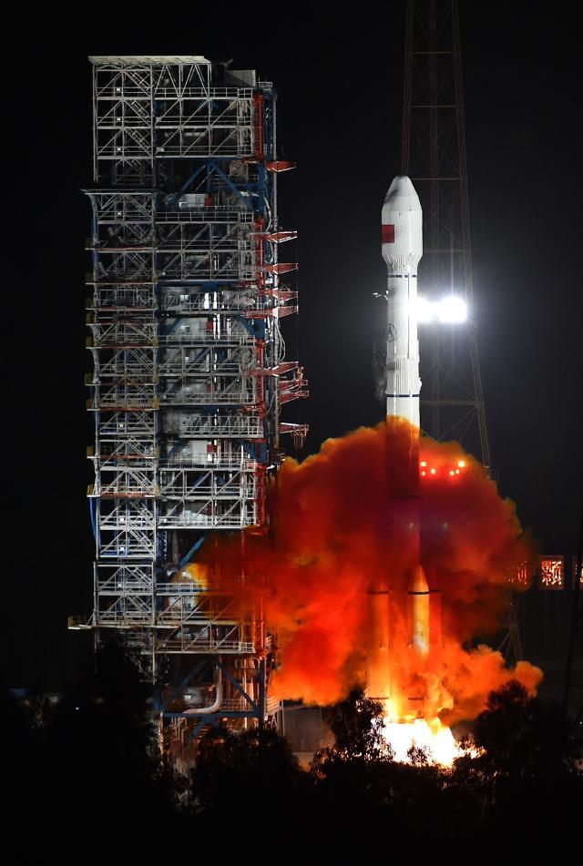 중국 우주굴기 속도...2017년 발사 창어5호 4대 최초 기록 도전