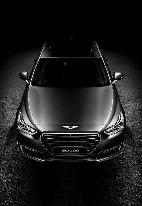 Hyundai releases Genesis EQ900