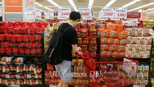 Jjambbong Ramyeon,  a must-purchase item among Chinese
