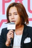 .Asias prince Jang Geun-suk abandons pretty-boy image.