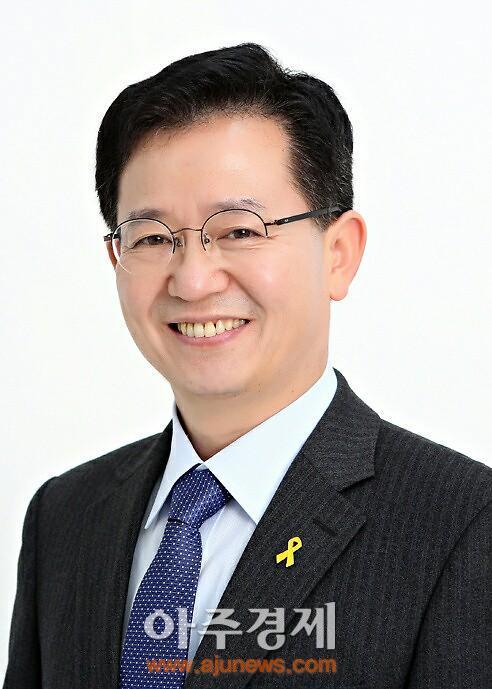 """이용빈 후보, """"문재인 대표와 함께 매 맞겠다"""""""