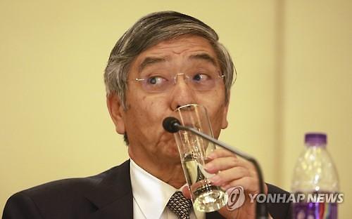 엔고에 디플레 마이너스 금리 역풍…초초한 일본은행