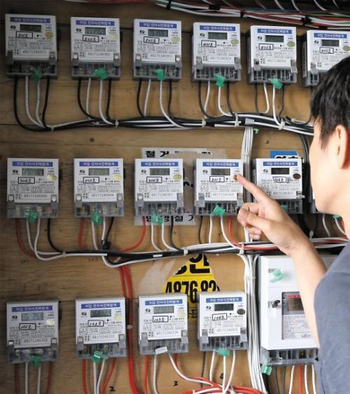 """上半年韩国电费滞纳金831亿韩元 近五千家庭申请""""分期付款"""""""