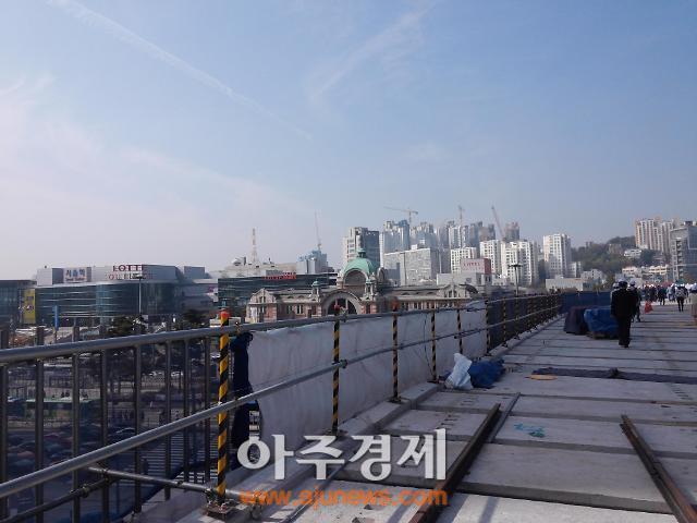 [아주동영상] 내년 4월 '보행길'로 시민들 찾아가는 서울역고가(종합)