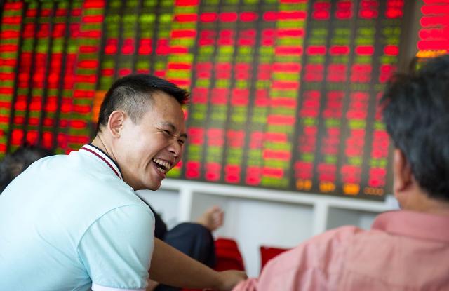 중국 국채·부동산 떠난 자금 증시로? 신용거래잔액 1조 위안 육박