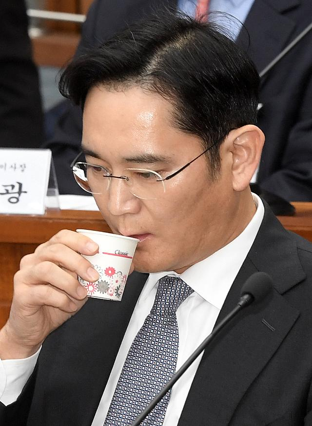 특검팀, 삼성합병-이대 학사비리-블랙리스트 의혹 관련자들 줄소환