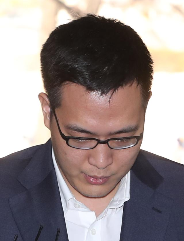 Hanwha group chiefs son indicted for drunken rampage in bar