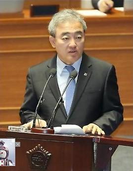특검팀, 문화계 블랙리스트 유진룡 전 문체부 장관 금일 오후 2시께 소환