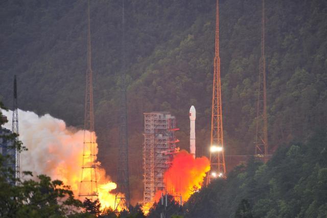 [영상중국] 중국 최첨단 통신위성 스젠-13호 발사 성공