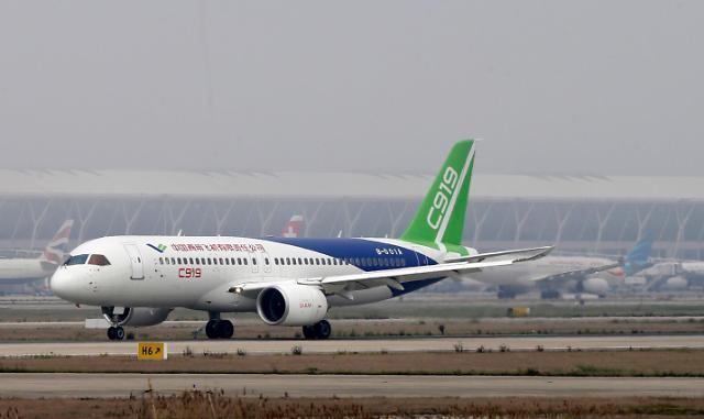 [영상중국] 중국판 보잉 737  고속활주 테스트 성공