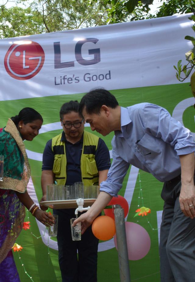 식수오염 고통받는 방글라데시 주민 위해 앞장선 LG전자