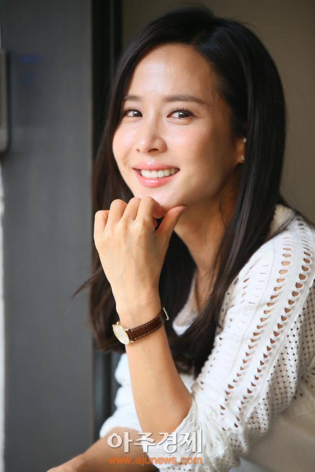 """조여정 """"완벽한 아내 종영 후 세상 달라 보여…촬영 내내 머리에 쥐 나는 느낌"""" (인터뷰①)"""