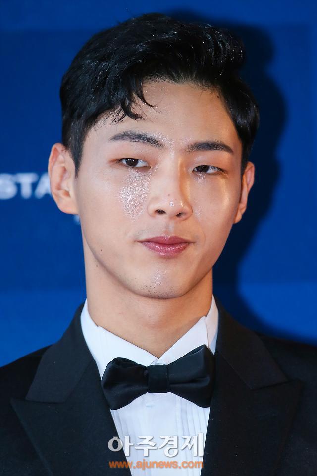 AJU 포토 2017 백상예술대상 비하인드 컷 대방출_배우 지수 편 ...