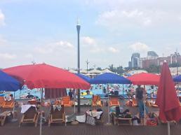 .[AJU VIDEO] 夏天除了游泳池 哪里都不想去!.