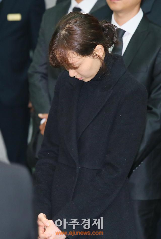 김주혁 발인, 연인이 지킨 마지막 이유영 운구 앞자리에서 배웅