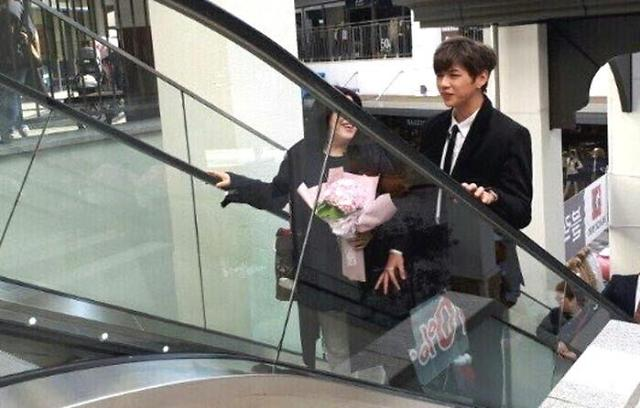K-pop boyband, Wanna One, member Kang Daniel takes his mom out on a date