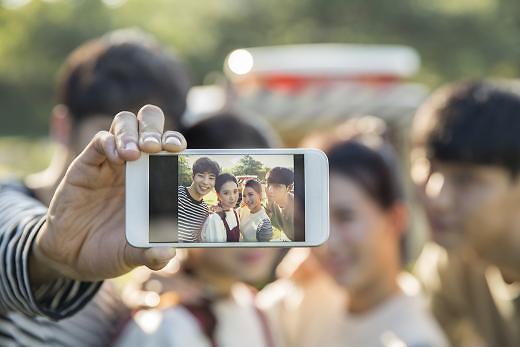 首尔智能手机普及率 全球500座城市排第二
