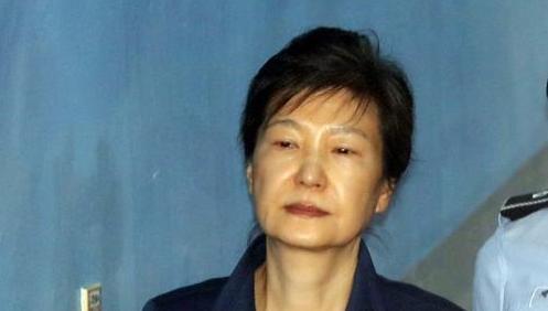 朴槿惠涉贿案庭审时隔42天重新启动