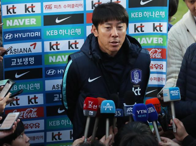 韩国足主帅:若首战赢瑞典16强有希望