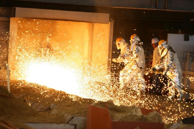 포스코, 고유기술 파이넥스 중형車 2000만대량 쇳물 생산