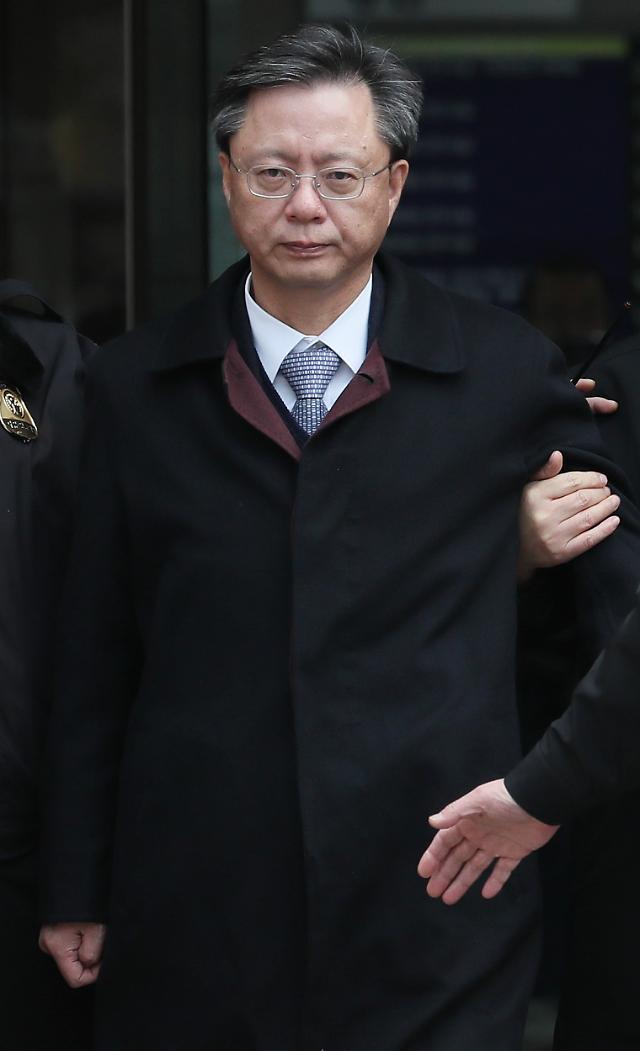 우병우,세번째 영장 청구 끝 구속..박근혜 정부 국정농단 연루 고위 공직자 다 구치소행