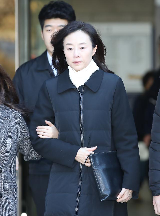 """조윤선 구속영장 기각""""도망 및 증거인멸 염려 있다 보기 어려워""""..5개월만 재구속위기 면해"""