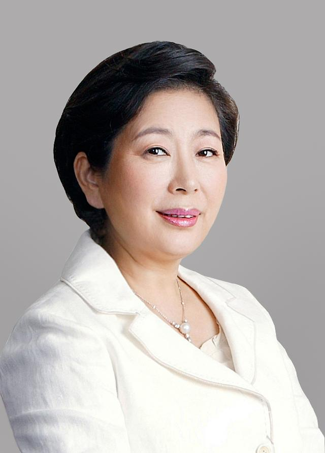 Hyundai group chairwoman sued for breach of trust