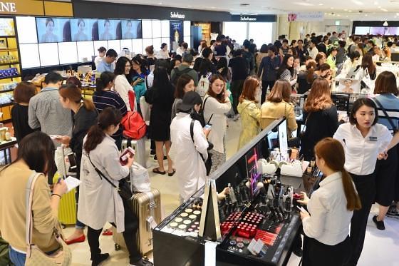 今年春节中国人出境游韩国不再火爆 流通业界最近有点儿烦