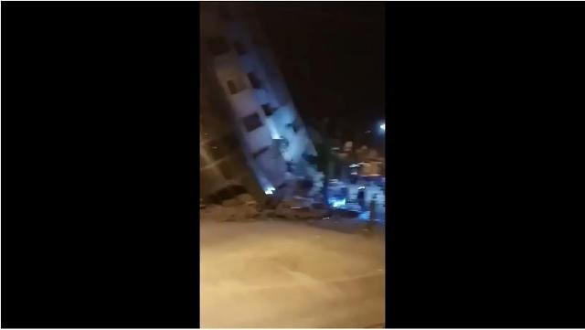 [영상]대만 화롄 규모6.4지진현장,붕괴된 건물서 사람들 필사의 탈출..도로 갈라져