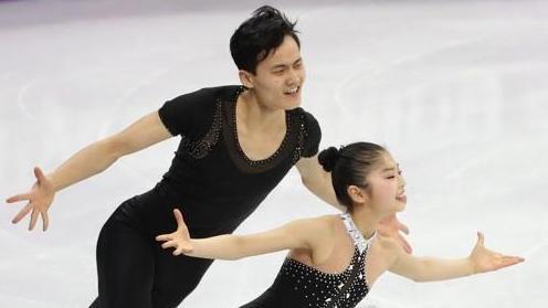 冬奥双人滑朝鲜组合刷新个人最高分