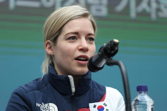 韩朝冰球联队教练愿率队征战北京冬奥