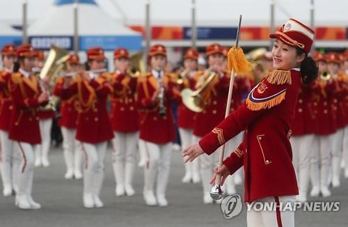 朝鲜啦啦队将为麟蹄居民免费献艺