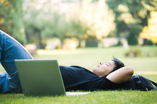 逾四成韩国大学生今年上学期有休学计划
