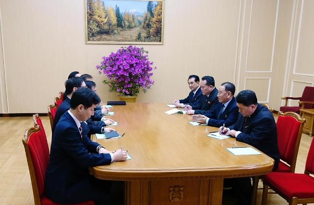韩总统特使团与金正恩会面并共进晚餐