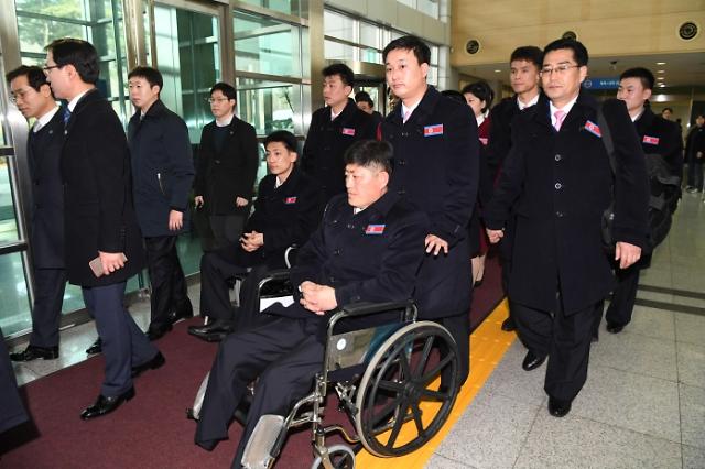 平昌冬残奥朝鲜代表团抵韩