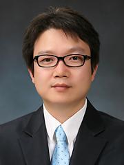 [김재영 칼럼] 다시 불붙은 타다와 택시업계 갈등 ..규제의 회색지대 정리하라